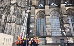 Der Kölner Dom genießt bei der Feuerwehr eine ganz besondere Ausmerksamkeit. Es werden regelmäßig Einsätze geübt.