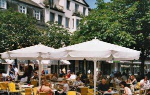 Brühl als ehemalige Residenzstadt bietet nicht nur Schlösser sondern auch viel Genuß.