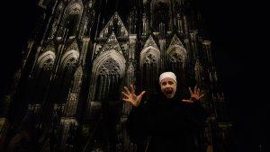 Mit der Gerberstochter Clarissa erleben Sieeine besondere Spuktour durch Köln. Foto PabloMKFaber